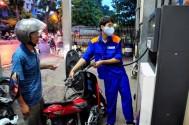 'Doanh nghiệp chỉ nên được tự tăng giá xăng dầu 3%'